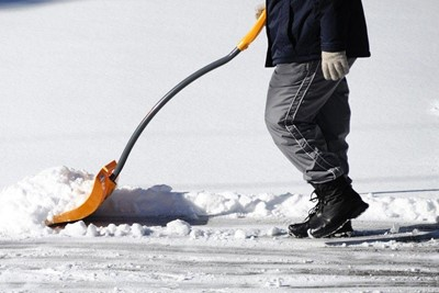 Keep Sidewalks & Hydrants Clear of Snow